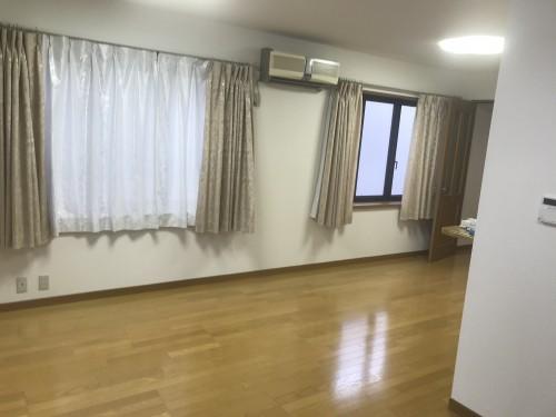 カーサ呉川2階